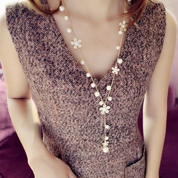Luxury New Style Women Simulated Pearl Five Petal Crystal Flower Choker New Statement Long Necklace